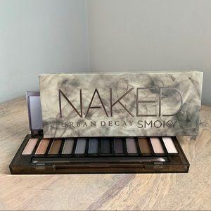Urban Decay Naked Smoky Eyeshadow Palette NIB